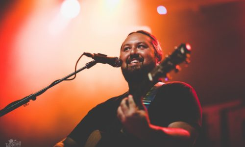 Iration's acoustic Hotting Up Tour set