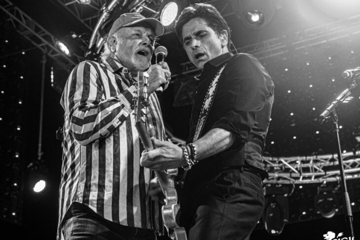 The Beach Boys play Ventura drive-in show with John Stamos & Mark McGrath