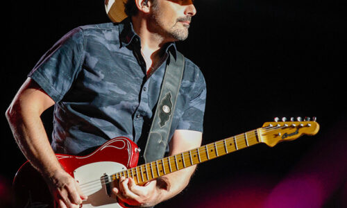 Country lovers line up for Brad Paisley  in San Diego